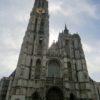 ノートルダム大聖堂の日本人だけのためにあるフランダースの犬石碑