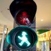 ベルリンの歩行者用信号アンペルマンはドイツのくまもん?