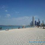 アブダビで最高のビーチリゾートを!透き通る海と青い空白い砂のバカンス