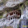 投入堂は断崖絶壁に張り付く日本一危険な国宝!